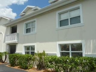 Charming Beach Area Condo, Waterfront complex with pool, Treasure Island! - Treasure Island vacation rentals