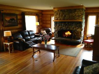 Beautiful private and serene Waterfront Log Home - Cariboo vacation rentals