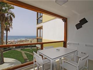 Apartment for 4 persons near the beach in San Agustin - San Agustin vacation rentals