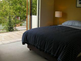 Constitution Lodge - East Perth - Western Australia vacation rentals