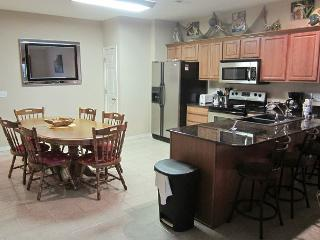 3 BR, 2 Bath Condo on the shores of Table Rock Lake - Hollister vacation rentals