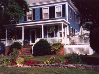 Quaint B&B 2.5mi to Portland OldPort &Waterfront - Portland vacation rentals
