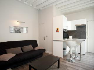 Apartment St Germain des Près 3 peoples  by Weekome - 11th Arrondissement Popincourt vacation rentals