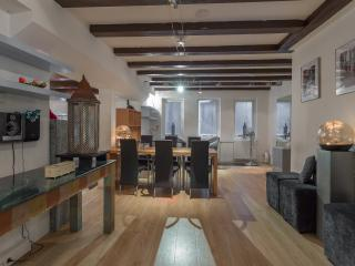 Amsterdam City Center Duplex Apartment w 6 sleeps - Amsterdam vacation rentals