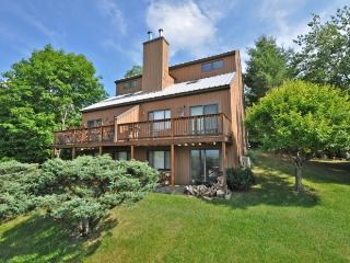 Large townhouse with amazing views, next to Attitash - Bartlett vacation rentals