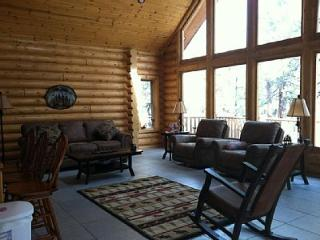 Custom Log Cabin - Gateway to the Grand Canyon , Route 66, Golfing and Ski Area - Williams vacation rentals