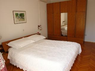 Rade 3 (5 pax) accommodation near the beach - Novalja vacation rentals