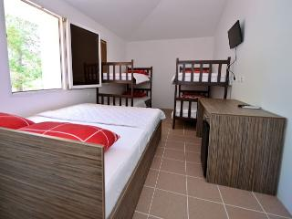 Niofra room 4 for 6 pax with Wifi and AC - Novalja vacation rentals