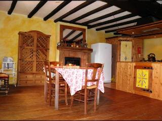 4 Bedroom Gite near Bais in Mayenne, France - Champgenéteux vacation rentals