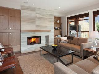 Fitzsimmons Walk 1 |  Whistler Platinum | Hot Tub - Whistler vacation rentals
