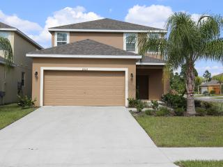 VERANDA PALMS -  ELEGANT 5 BED/4.5 BATH (SLEEPS 10)-PVT POOL-LAUNDRY ROOM - DISNEY AREA VACATION HOME VP2625 - Kissimmee vacation rentals