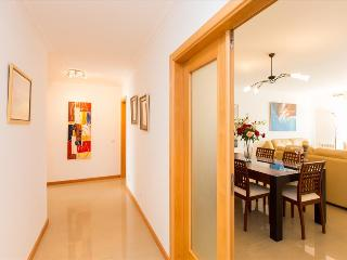 z HolidayOn...Atlantic J | Peniche Apartments - Peniche vacation rentals