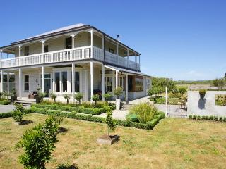 Gone with the Wind - Hawke's Bay vacation rentals