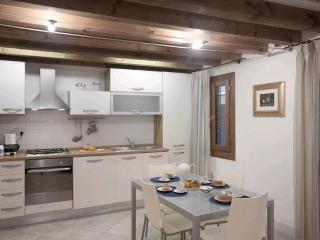 Nice apartment with private yard in Santa Croce - Venice vacation rentals