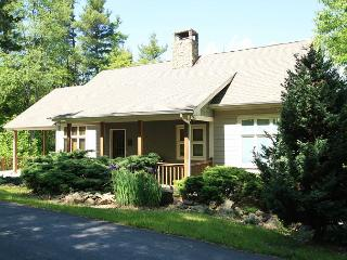 Sunset West gorgeous timber frame home with 3 bedrooms and ping pong - Blowing Rock vacation rentals
