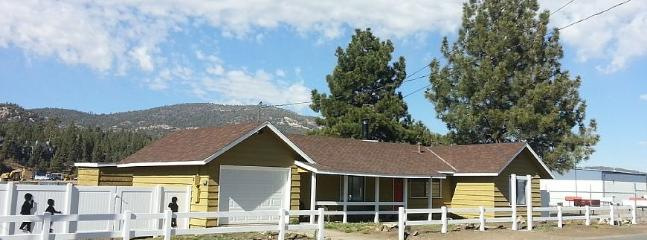 Front of the Silhouette House - Silhouette House at Big Bear - Big Bear City - rentals