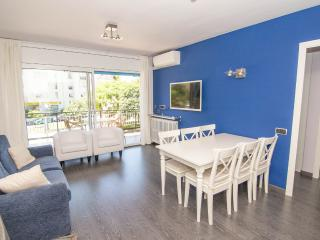 SIBARIS Large and central apartment - Sitges vacation rentals