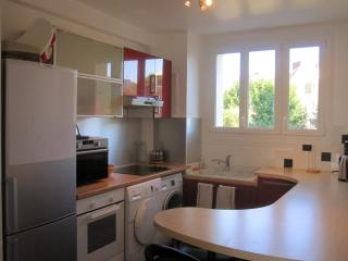 Fully Furnished Apartment, Caen, Normandy, France - Basse-Normandie vacation rentals