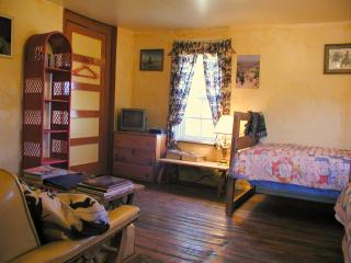 JX Ranch Bunkhouse B&B - Cow Camp - Tucumcari, NM - Tucumcari vacation rentals