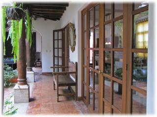Beautifully decorated home with ample terrace - Western Highlands vacation rentals