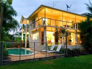 Capturing lovely Beach Views from your doorstep - Port Douglas vacation rentals