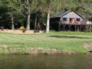 RIVERFRONT $980/wk SUMMER SALE*Hottub*Firepit*AC - Valle Crucis vacation rentals