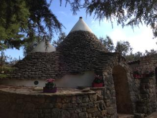 Trullo torre due pani - Castellana Grotte vacation rentals