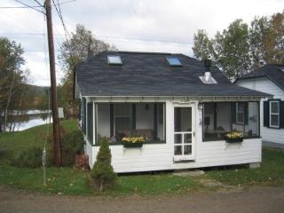 Cozy Lakeside Cottage near Mntns, Skiing - Whitefield vacation rentals