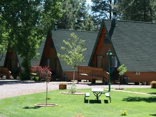 Cabins On Strawberry Hill Resort - Strawberry vacation rentals