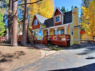 A Piece of Heaven: Near Bear Mountain w/ Spa - Big Bear Area vacation rentals
