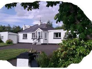 Family cottage beside River Finn, 20 mins beaches. - Ballybofey vacation rentals