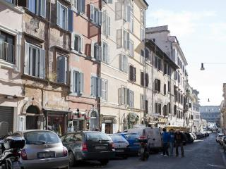 Charming & cosy apartment in the heart of Monti - Venice vacation rentals