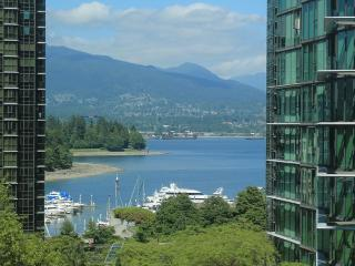 Coal Harbour One bedroom with Office - Vancouver vacation rentals