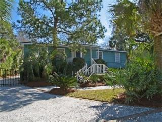 Cozy Beach Cottage, w/heated Pool,golfcart - Isle of Palms vacation rentals