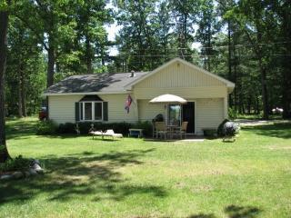 Family Cottage on All-Sports Wolf Lake - Muskegon vacation rentals