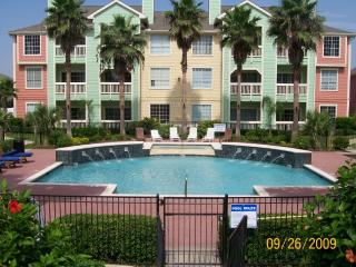 LUXURY Condo on the Seawall w/ Panoramic Views! - Tiki Island vacation rentals