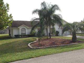 NR. DISNEY! 4 BED FABULOUS  VILLA. PRIVATE  POOL - Davenport vacation rentals