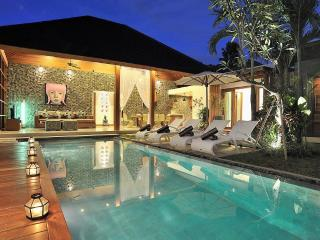 Oberoi Perfect Location (4) - Kuta vacation rentals