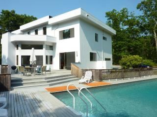 4BR/3Bth contemporary house located in the Springs - Hamptons vacation rentals