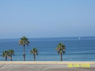 Ocean view/sandy beach with surfing waves/2 pools - San Diego County vacation rentals