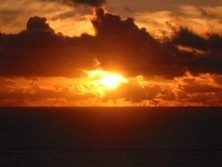 Enjoy an amazing sunset on a private deck! - VIEW OF LIGHTHOUSE-AMAZING SUNSETS-SECLUDED YARD - Newport - rentals