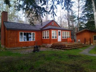 Quaint Cottage on Lake Independence - Big Bay vacation rentals