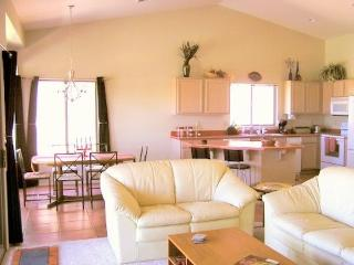 Quail Creek - Vacation Home - On Golf Course!! - Green Valley vacation rentals