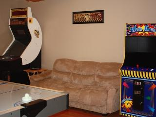 Hot Tub,Arcade Games,Pool Table,FirePit-4BD+Crib - Pocono Lake vacation rentals