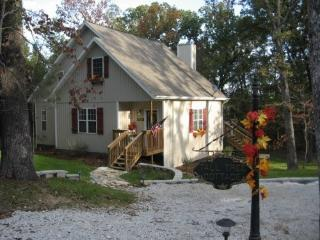 Lakefront Cottage with Hot Tub!  Great Reviews! - Ridgedale vacation rentals