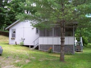 Lakefront vacation cottage, Readfield, Maine - Kennebec vacation rentals