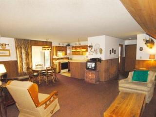 Boulder Junction Wi lodging a private wooded - Boulder Junction vacation rentals