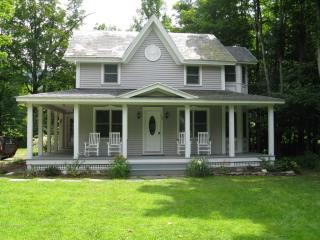 Completely Renovated Victorian in Rural VT - Stratton and Bromley Ski Areas vacation rentals