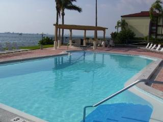 Isla Del Sol Waterfront Villa Great View! - Tierra Verde vacation rentals