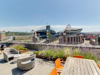 Sports Lovers Getaway - Walk to stadiums and so much more - Seattle Metro Area vacation rentals